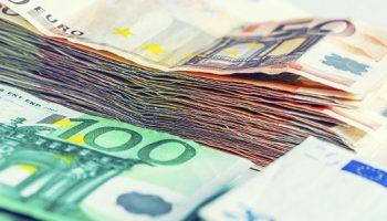 Bankbiljetten Stapeltjes