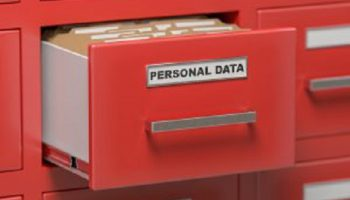 Personal Data In Ladenkast